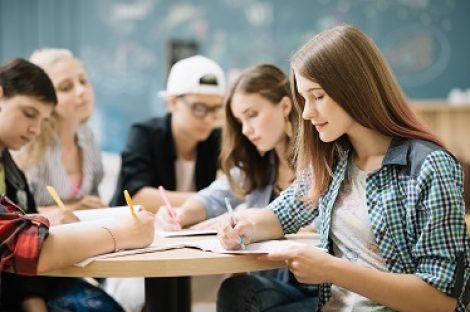 Aides à l'enseignement supérieur